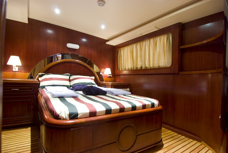 Spacious and comfortable king cabin